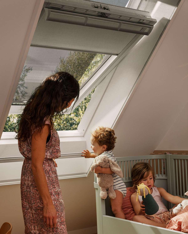 ventana-de-tejado-toldo-exterior